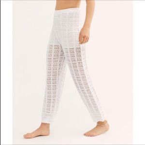 FREE PEOPLE BEACH QUINN CROCHET FLARE PULL ON PANT